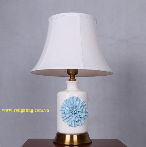 Đèn cây sứ