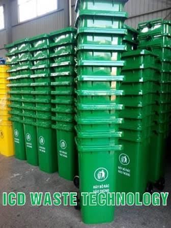 Kho hàng thùng rác nhựa