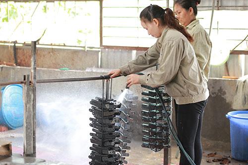 Phun rửa làm sạch bề mặt sản phẩm