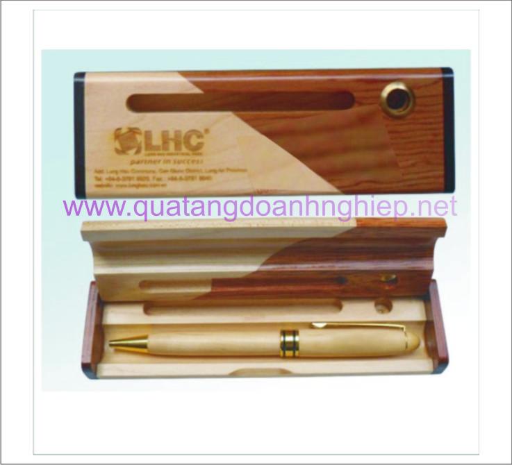 Bút viết gỗ