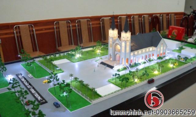 Mô hình nhà thờ giáo xứ Vinh Trung