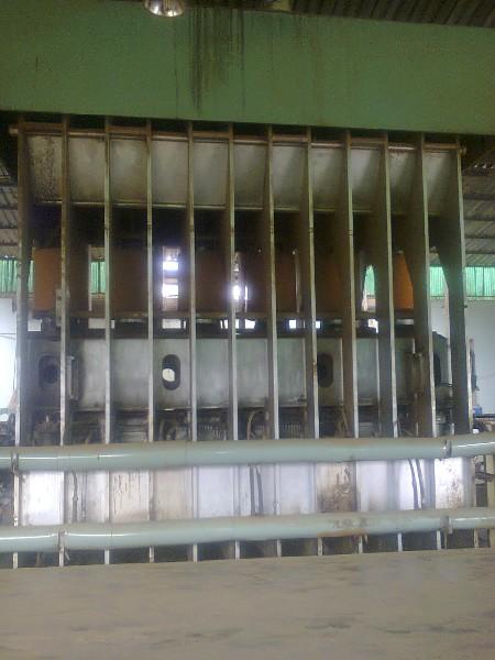 Nhà máy sản xuất ván ép