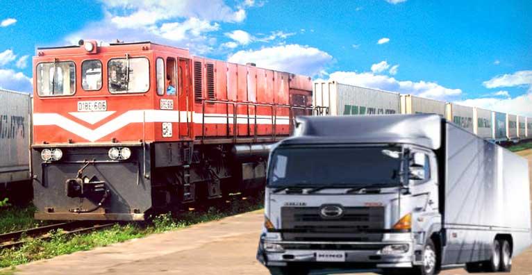 Vận chuyển hàng hóa bằng đường bộ và đường sắt