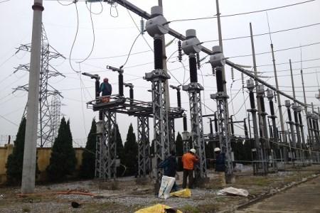 Cột cao thế điện lực