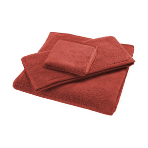 Khăn tay đỏ