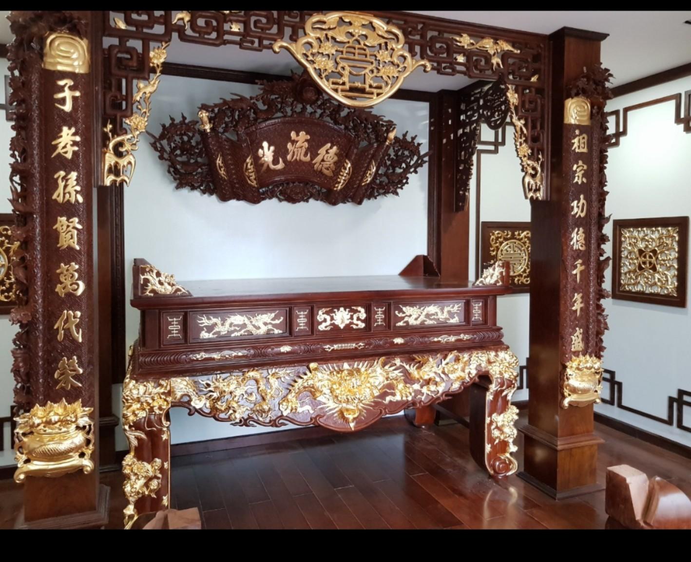 Phòng thờ giát vàng