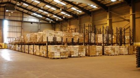 Lưu trữ hàng hóa trong kho hải quan