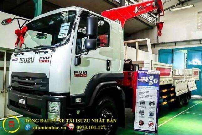 Xe tải ISUZU 3 chân 15 tấn gắn cẩu
