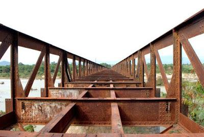 Thu mua phế liệu cầu cảng