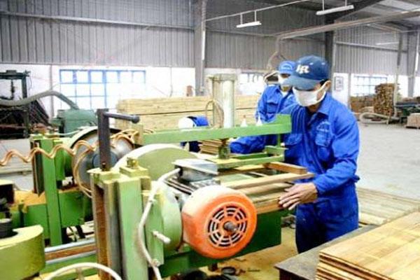 gia công cưa xẻ gỗ