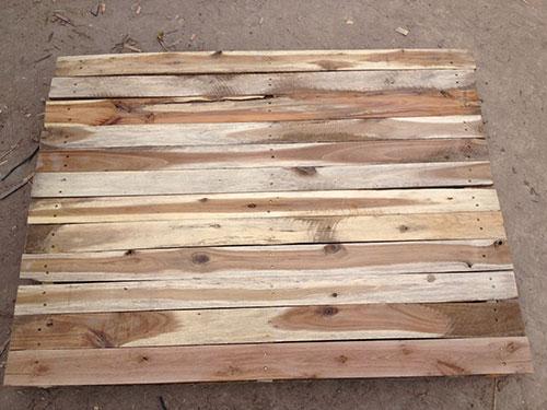 Pallet gỗ mặt kín