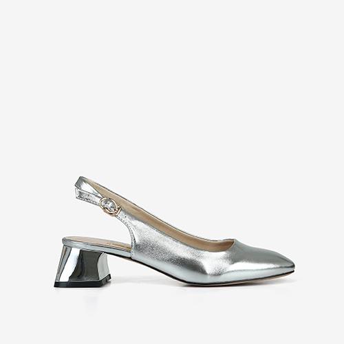 Giày bít nữ