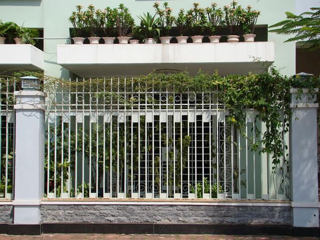 Sơn hàng rào