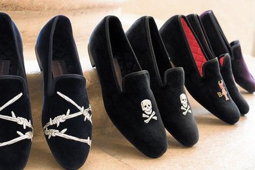 Thêu trên giày