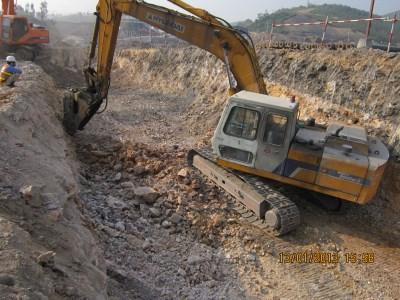 Công tác đào phá đá