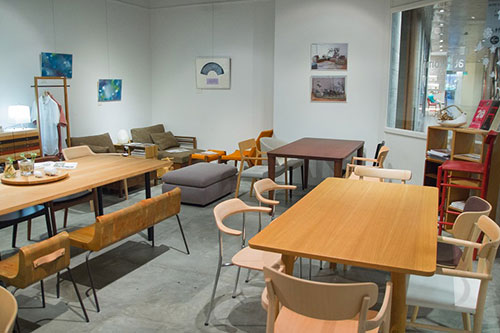 Bàn ghế gỗ Hiroshima Stackable