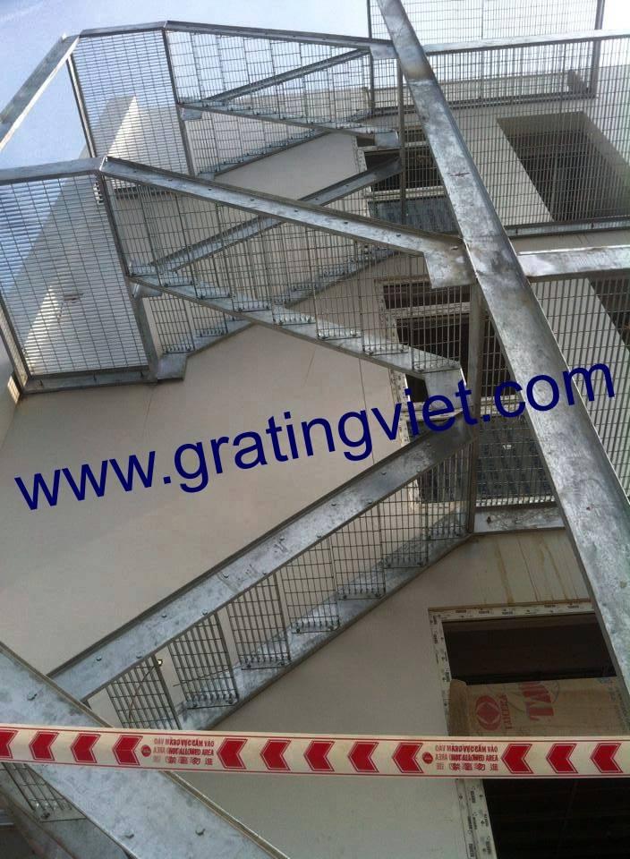 Cầu Thang Grating