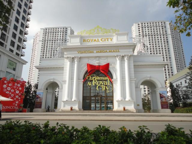 Trung tâm thương mại và chung cư cao cấp Royal