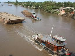 Vận chuyển hàng hóa bằng đường sông