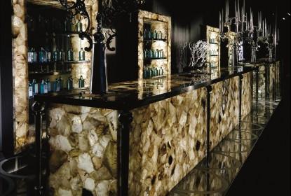 Quầy bar bằng đá hoa cương