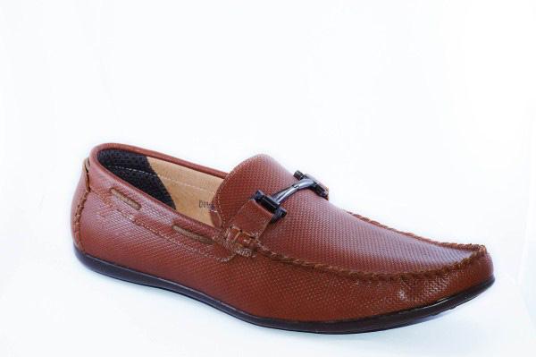 Giày mọi thời trang