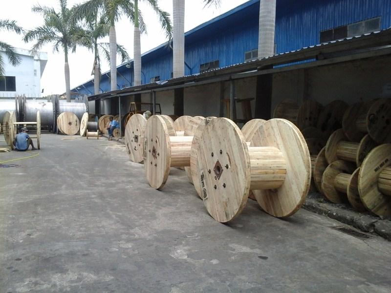 Bobbin gỗ