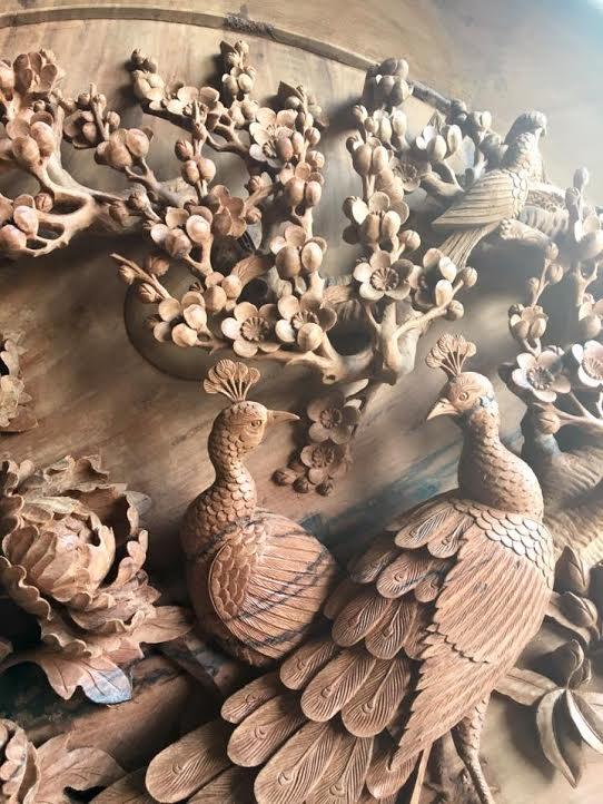 Tranh chim công gỗ