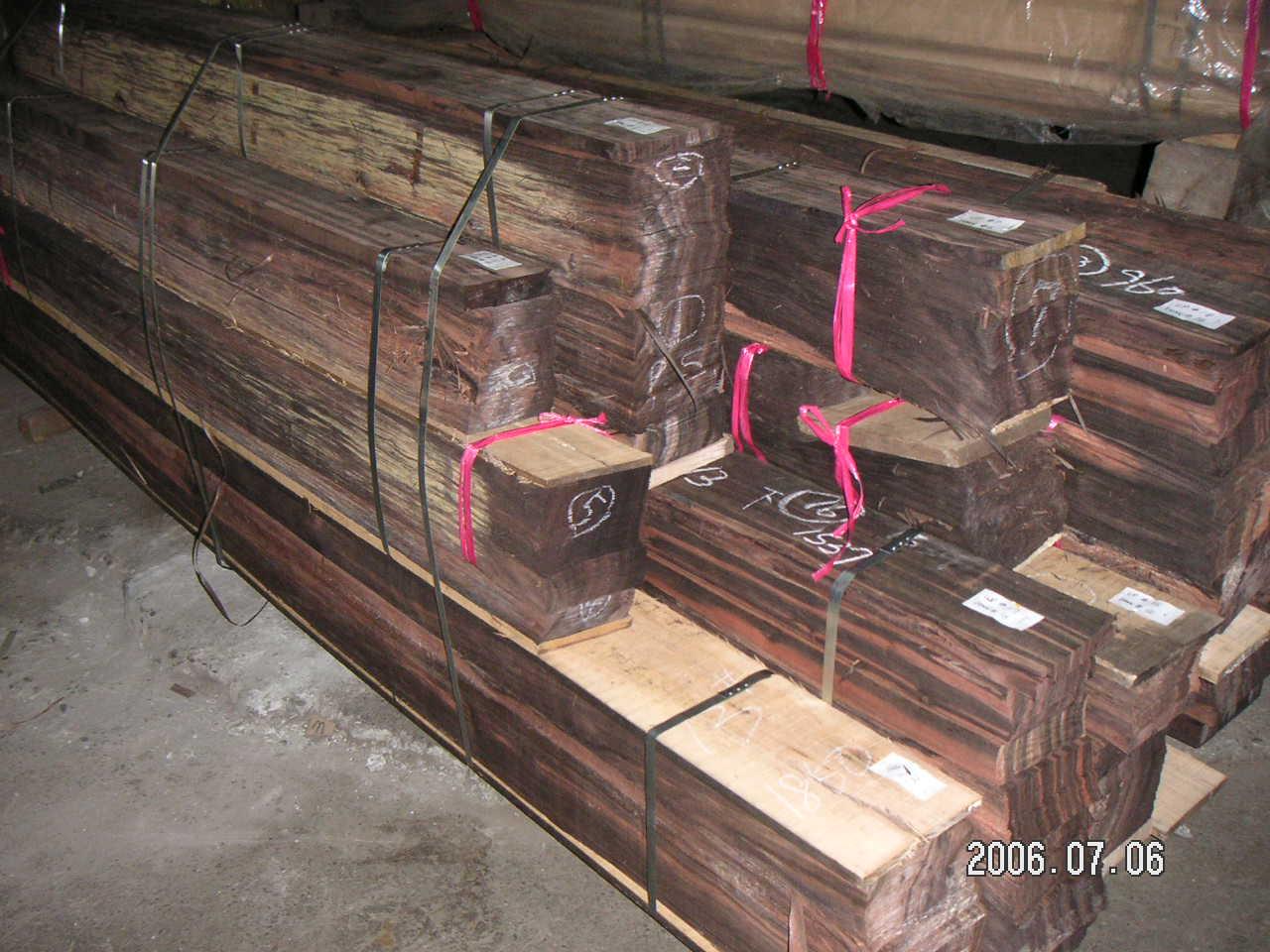 Ván lạng gỗ mun