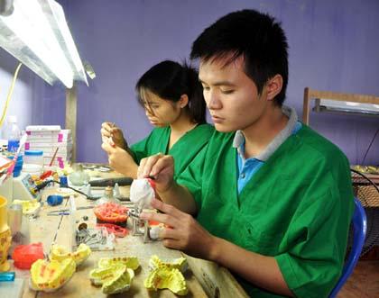 Hệ thống labo sản xuất răng giả