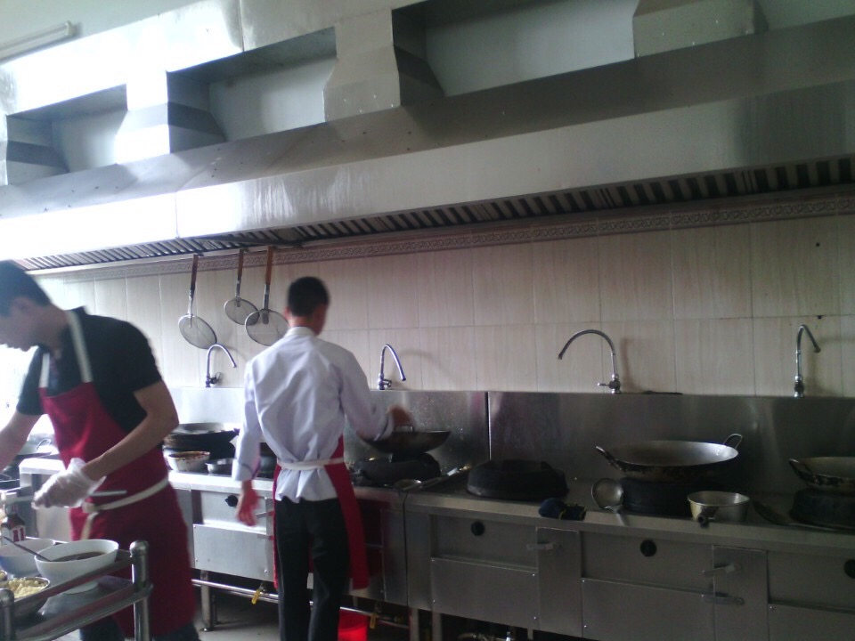 Bếp công nghiệp Ngọc Luân