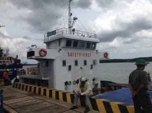 Cho thuê tàu, bến cảng