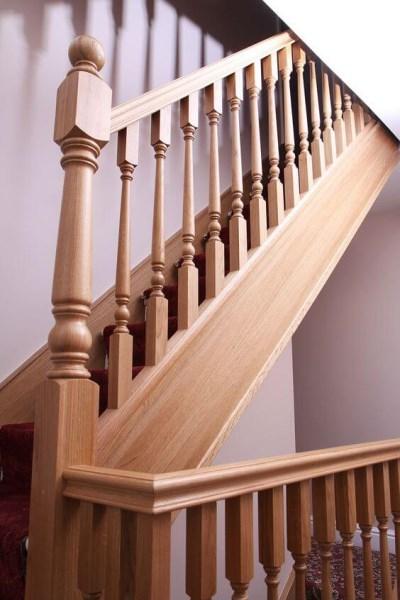 Tiện cầu thang gỗ