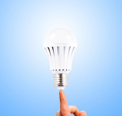 Đèn Led Bulb sạc điện cảm ứng