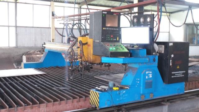 Máy cắt nhiệt tự động CNC