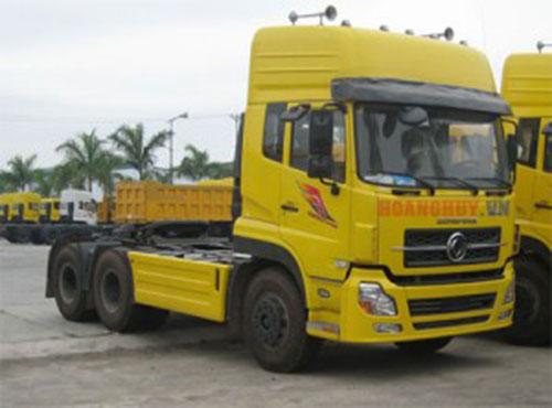 Xe tải Dongfeng đầu kéo cao