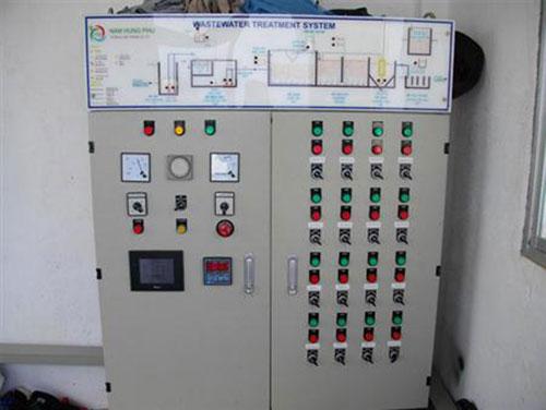 Tủ điện PLC trong hệ thống xử lý nước thải