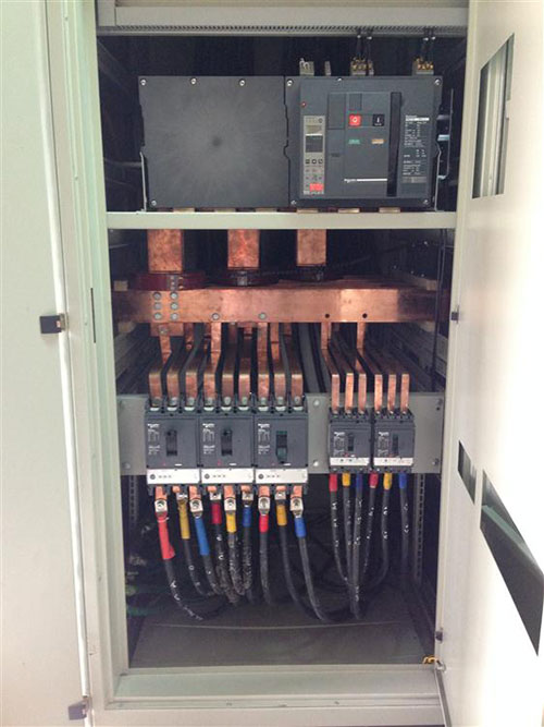 Tủ máy cắt SCHNEIDER