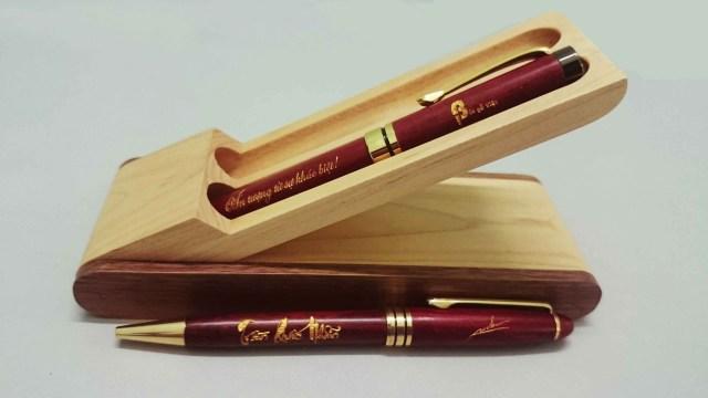 Cắt khắc hộp bút gỗ