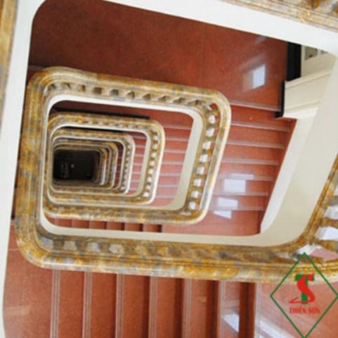 Đá ốp lát bậc cầu thang