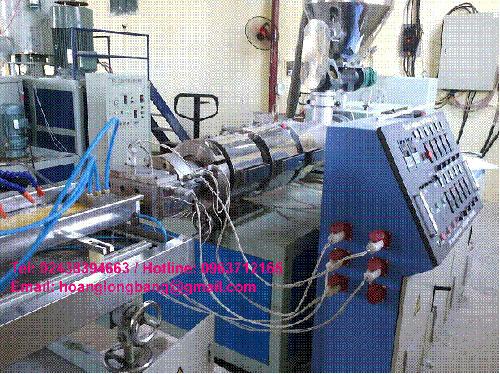 Máy sản xuất băng cản nước PVC