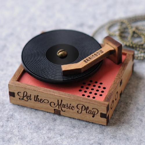 Máy nghe đĩa gỗ