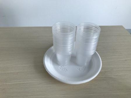 Ly, đĩa nhựa