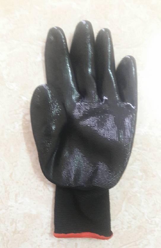 Găng tay phủ nhựa đen