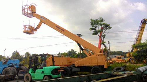 BOOM LIFT TADANO AW-250TG