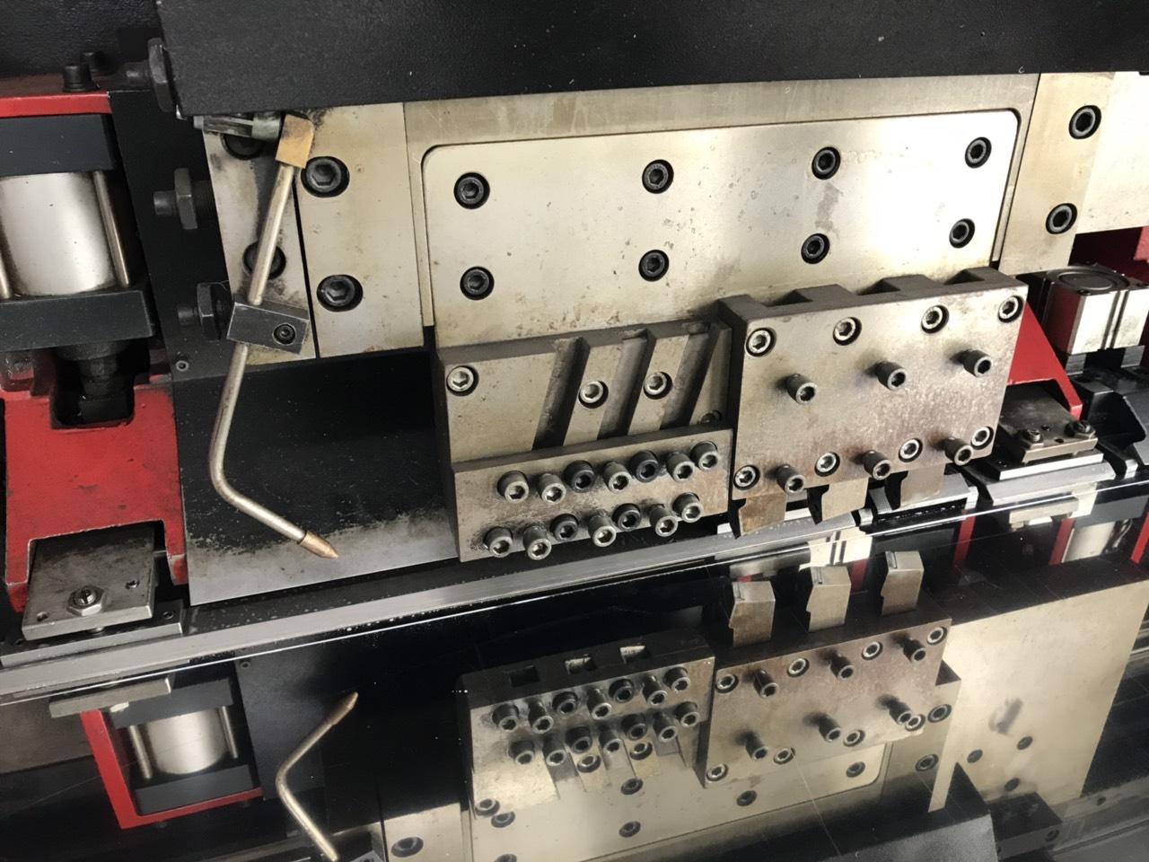 Gia công kim loại tấm, cắt laser