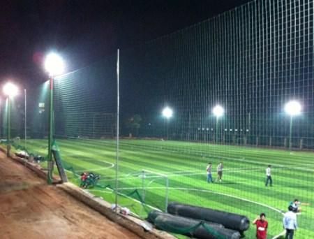 Hệ thống chiếu sáng sân cỏ