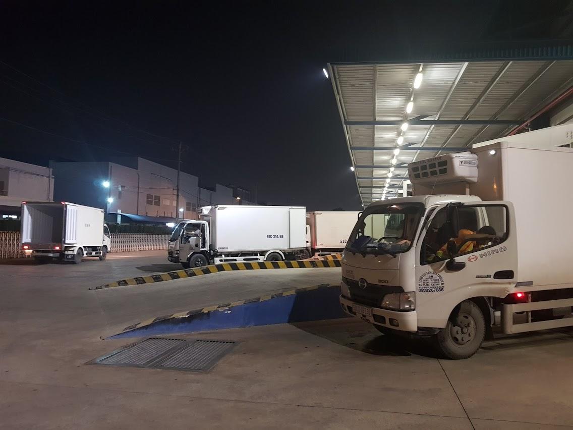 Vận chuyển hàng bằng xe đông lạnh