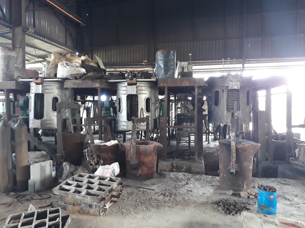 Casting furnace 1.5 tons  x 3