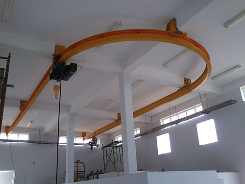 Monorail cổng