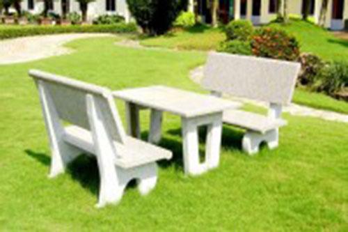 Bàn ghế đá công viên
